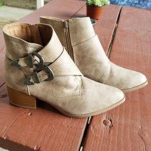 Tan Buckle Boots (9) Qupid Heel